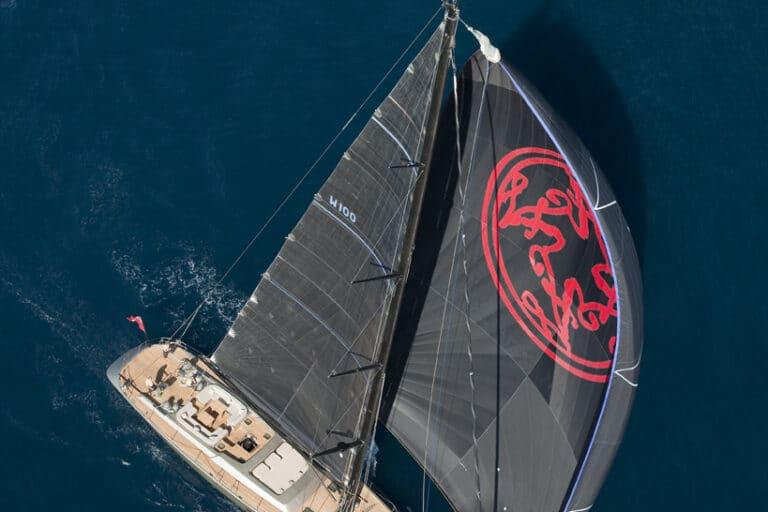 Super Yacht Dark Shadow black sails