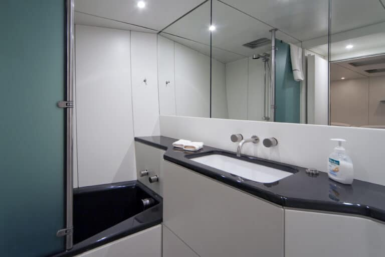 Super Yacht Dark Shadow bathroom 1