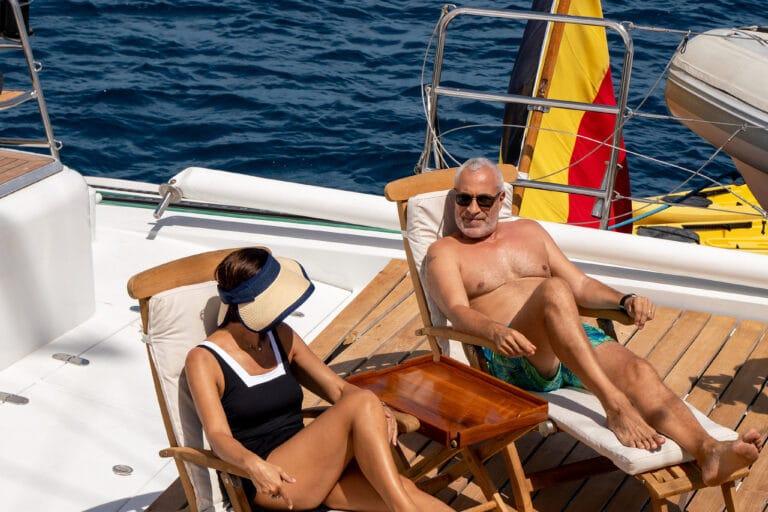 Super yacht DOUCE FRANCE - Sundeck