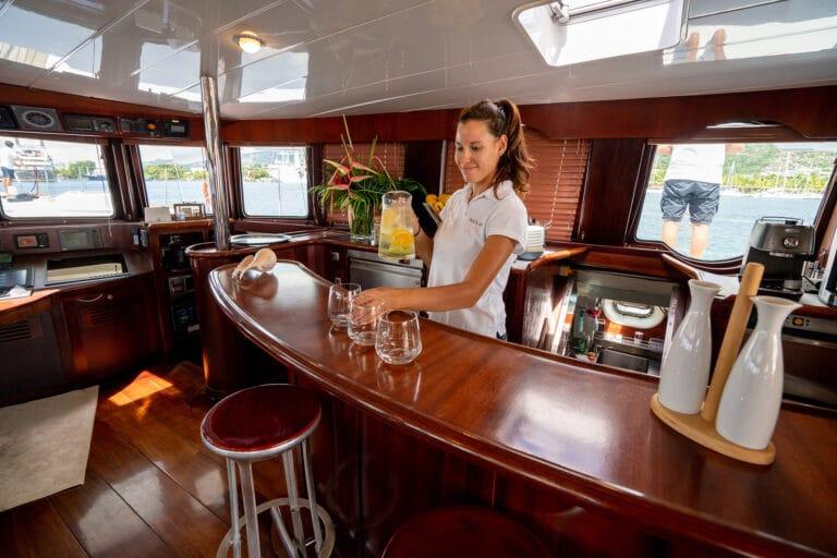 Super yacht DOUCE FRANCE - Bar