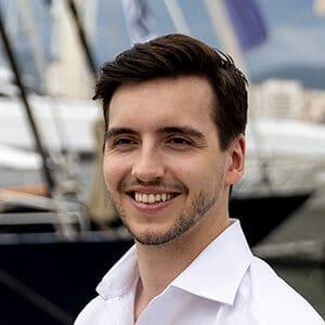 Charter Broker Maxim Beckers