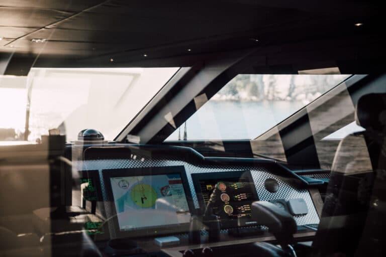 Super Yacht BAGHEERA - Bridge