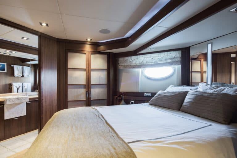 Super Yacht Bagheera - Double guest suite2