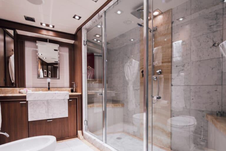 Yacht Bagheera - Ensuite Bathroom