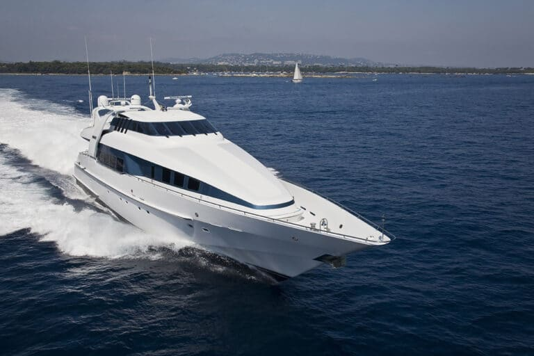 Luxury Motor Yacht MOONRAKER sailing