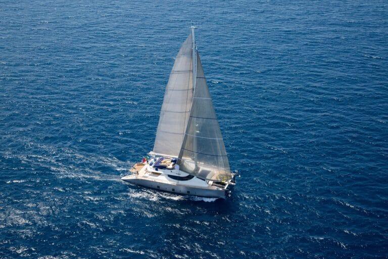 Luxury Catamaran HUTIANE Sailing