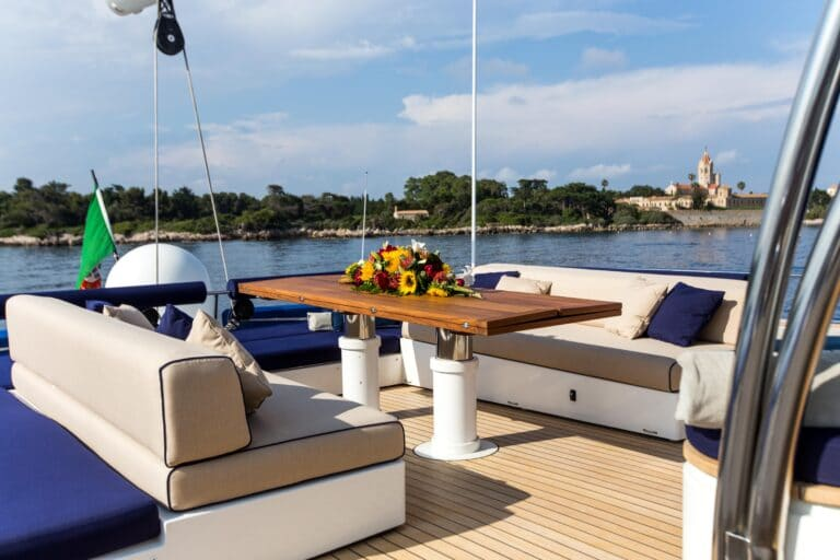 Luxury Catamaran HUTIANE Fly bridge