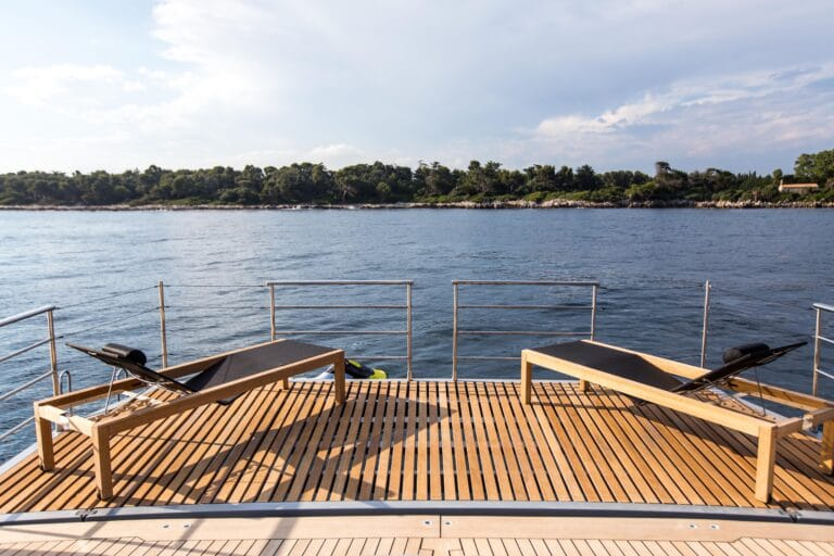 Luxury Catamaran HUTIANE Private Beach