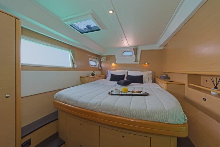 Luxury Sailing Catamaran IDEA! - Master cabin