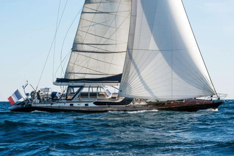 Luxury yacht LEATSA - From starboard