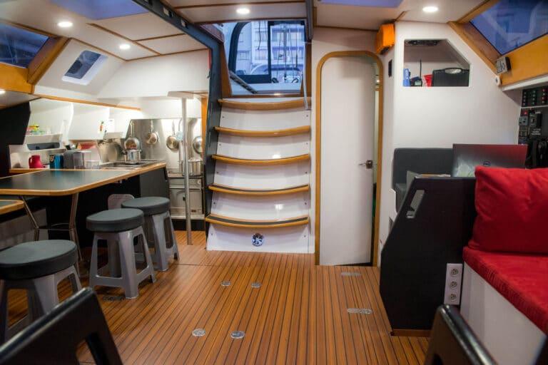 Luxury yacht LEATSA - Interior living