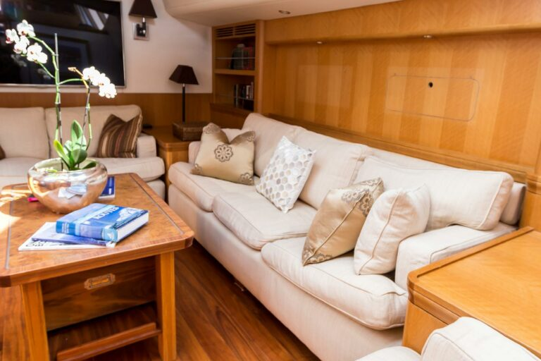 Luxury Sailing Yacht - Margaret Ann - Lounge