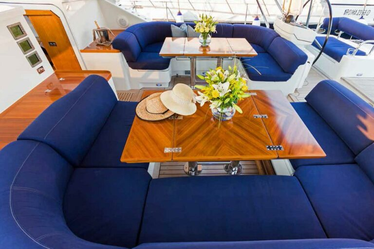Luxury Sailing Yacht - Margaret Ann - Dining space