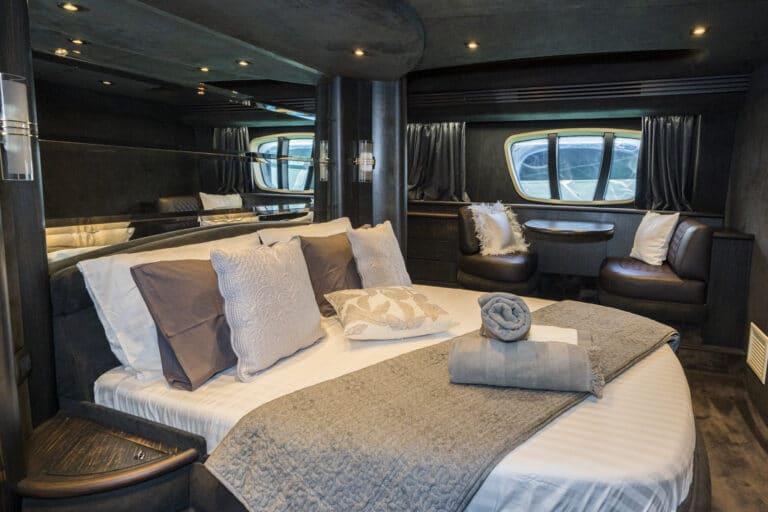 Luxury Motor Yacht MEDUSA Master cabin