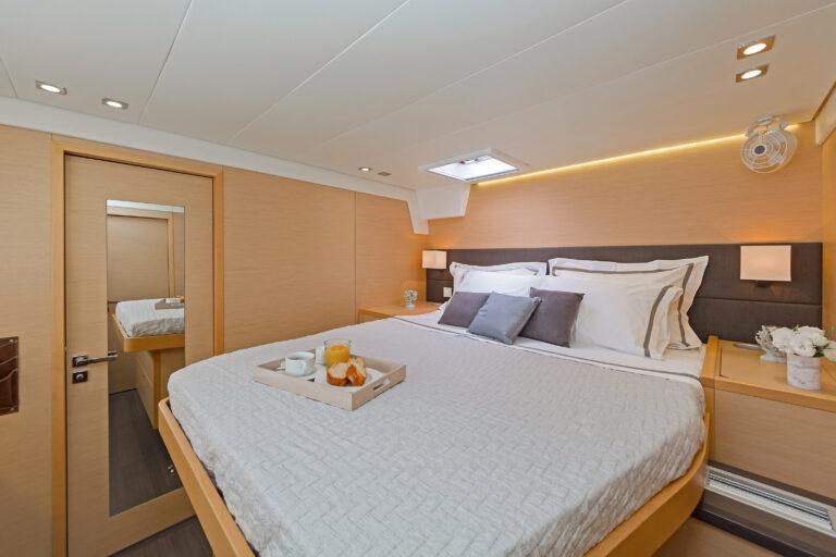 MELITI - Luxury Catamaran Queen cabin