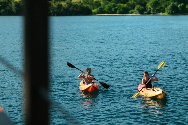 Mischief custom Phinisi Yacht - Kayaking