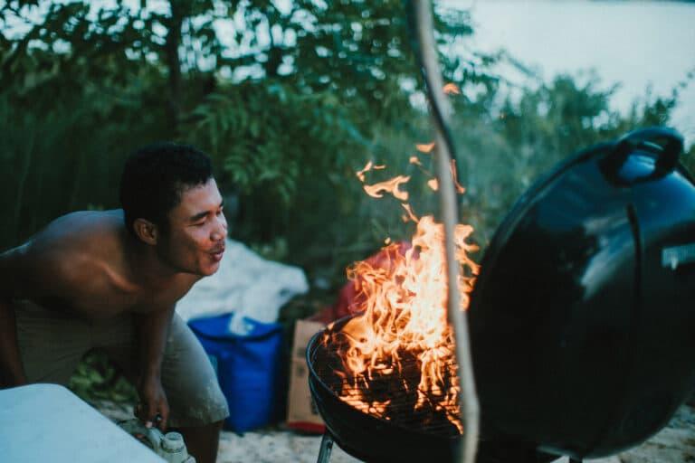 Mischief custom Phinisi Yacht - Beach BBQ