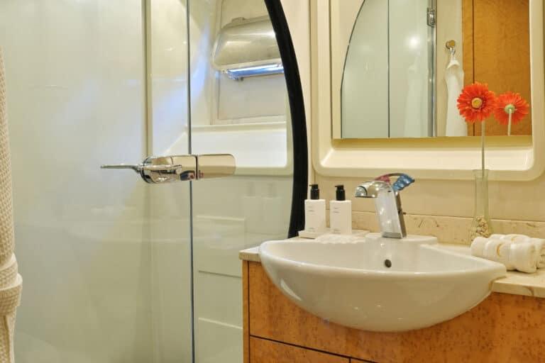 Luxury Motor Yacht MOONRAKER bathroom