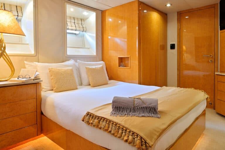 Luxury Motor Yacht MOONRAKER master bedroom