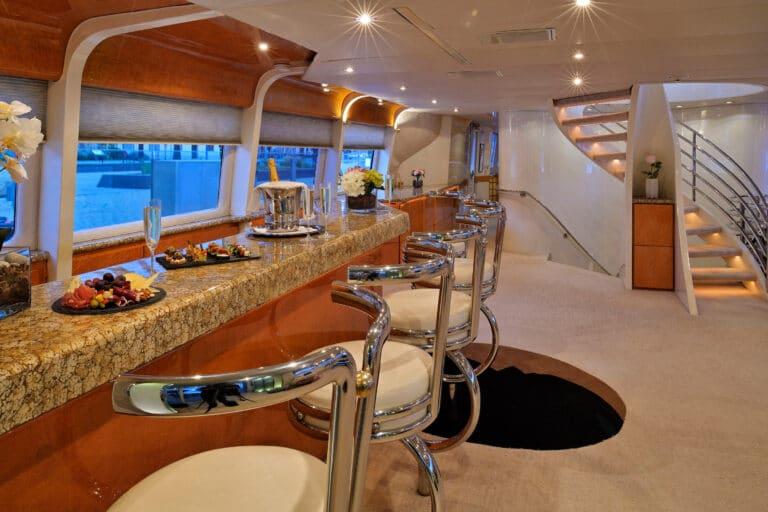 Luxury Motor Yacht MOONRAKER bar