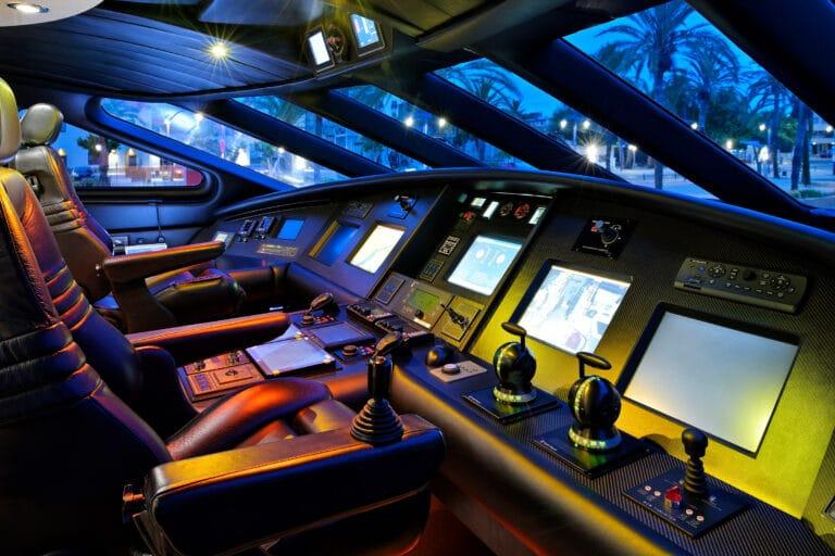 Luxury Motor Yacht MOONRAKER cockpit