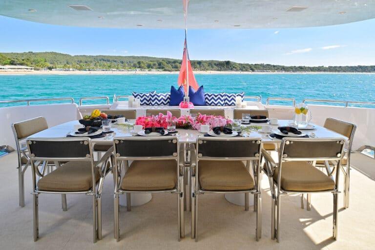 Luxury Motor Yacht MOONRAKER alfresco dining