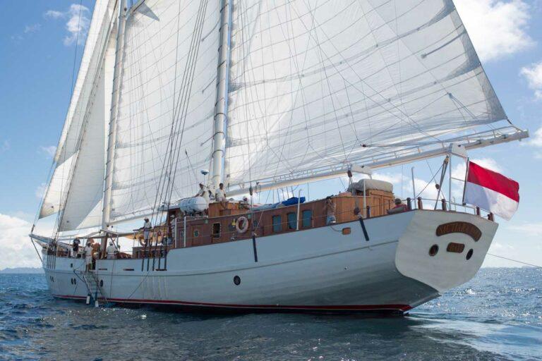 MUTIARA LAUT from starboard