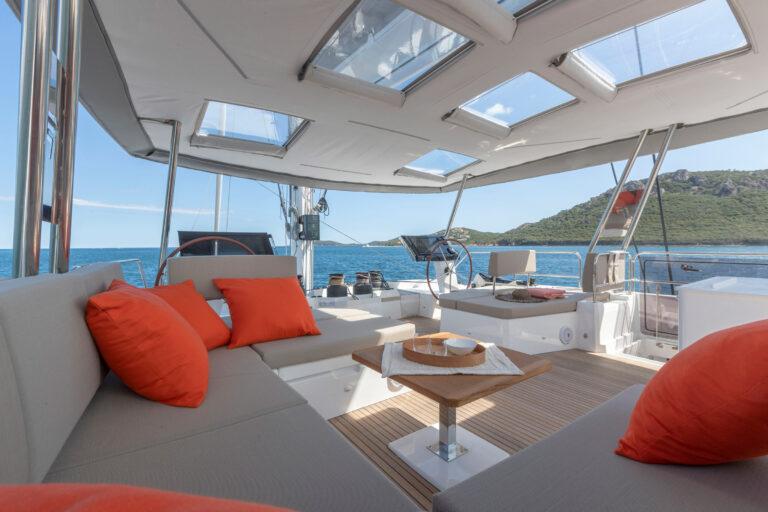 Luxury Catamaran NUMBER ONE - Exterior Lounge