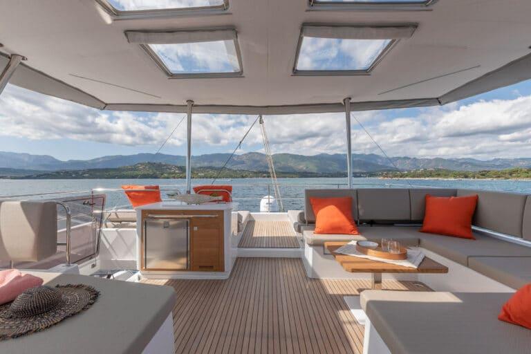 Luxury Catamaran NUMBER ONE - Dining area