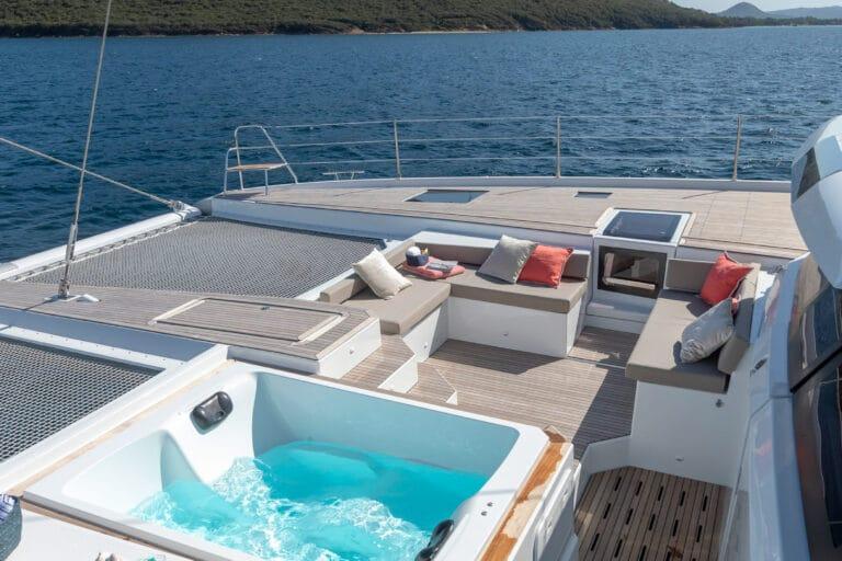 Luxury Catamaran NUMBER ONE - Jacuzzi