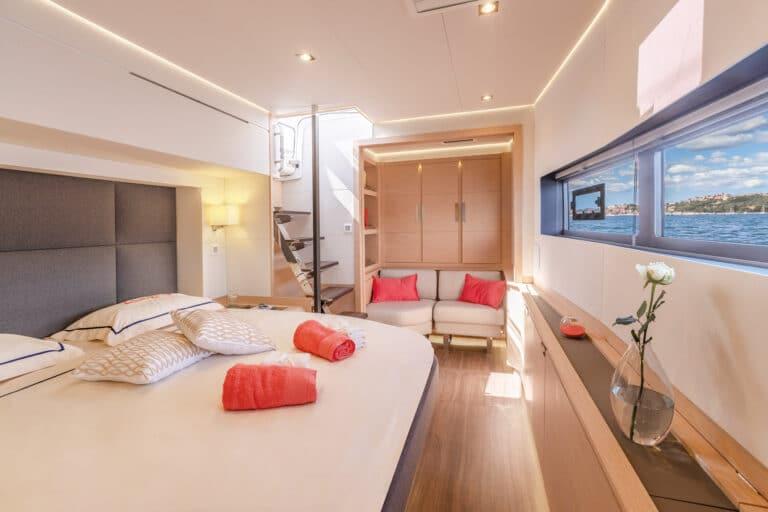 Luxury Catamaran NUMBER ONE - Master Cabin 2