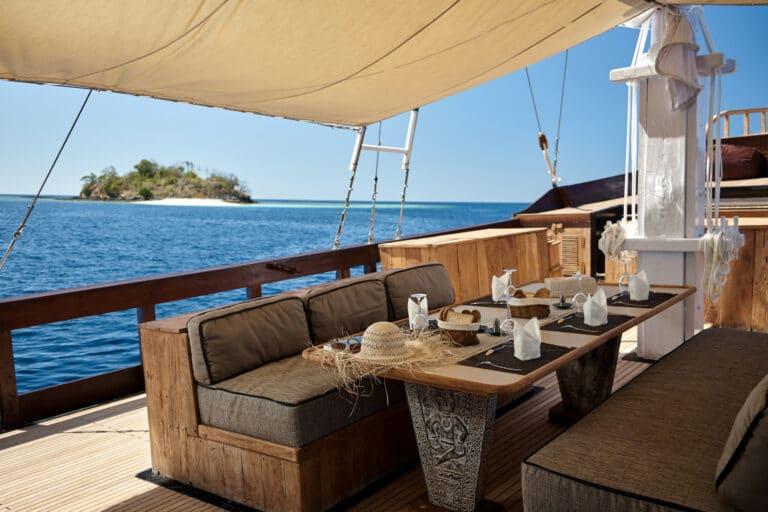 Luxury Phinishi Yacht ORACLE Al Fresco Dining