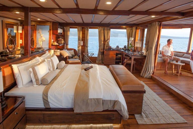 Luxurious Phinisi yacht PRANA - Master Cabin 2