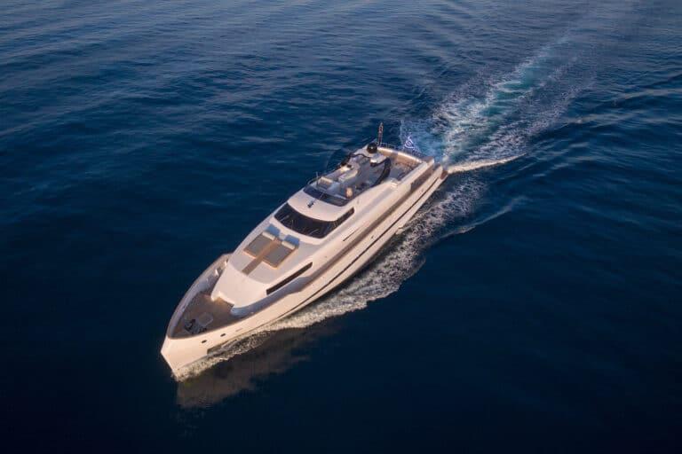 Luxury Motor Yacht PROJECT STEEL cruising