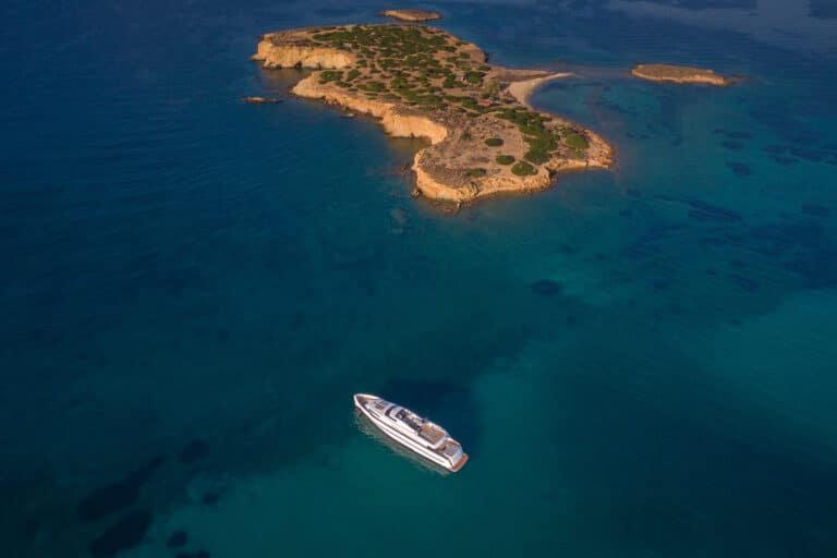 Luxury Motor Yacht PROJECT STEEL explore islands