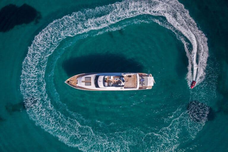 Luxury Motor Yacht PROJECT STEEL Jetski drone