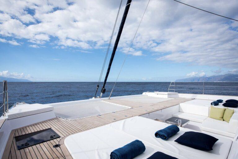 Luxury Catamaran SAMA sundeck
