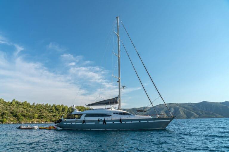 Luxury Motor Yacht San Limi at anchor