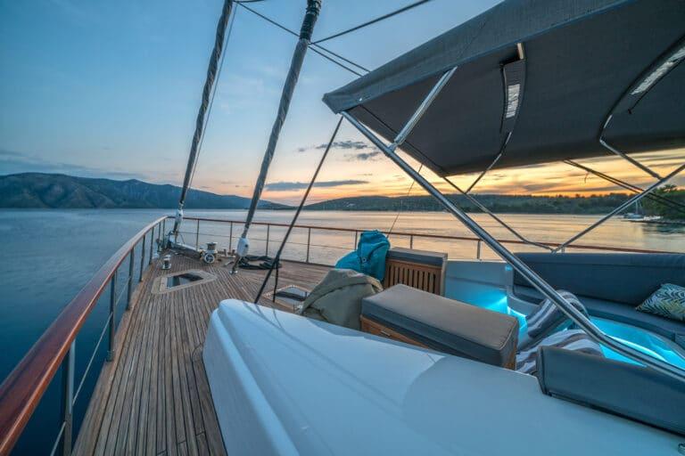 Luxury Motor Yacht San Limi starboard