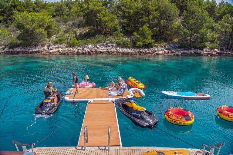 Luxury Motor Yacht SAN LIMI toys