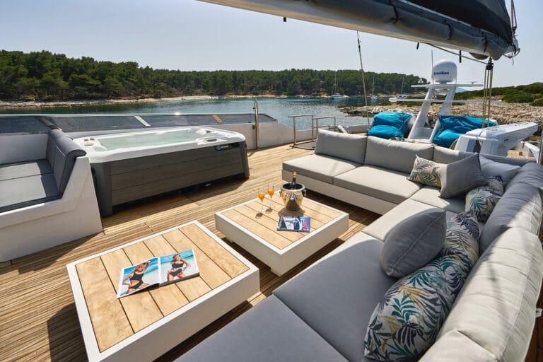 Luxury Motor Yacht SAN LIMI aft deck