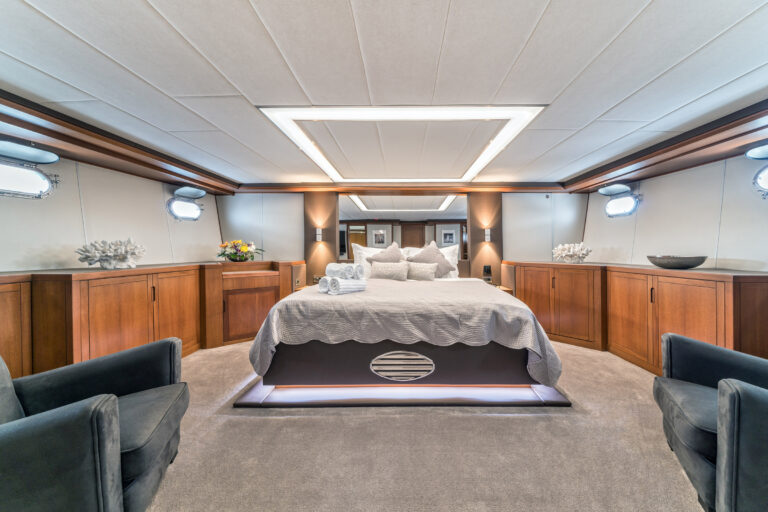 Luxury Motor Yacht SAN LIMI master cabin