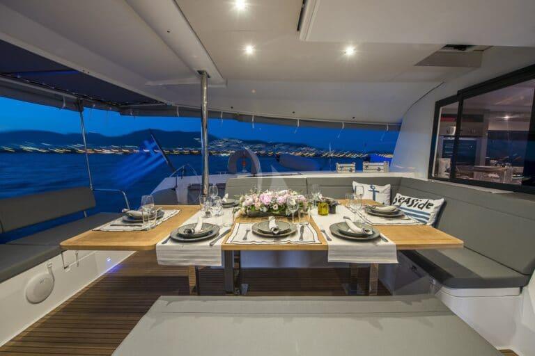 Luxury Yacht SEA ENERGY V - Al fresco dining