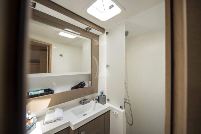 Luxury Yacht SEA ENERGY V - bathroom