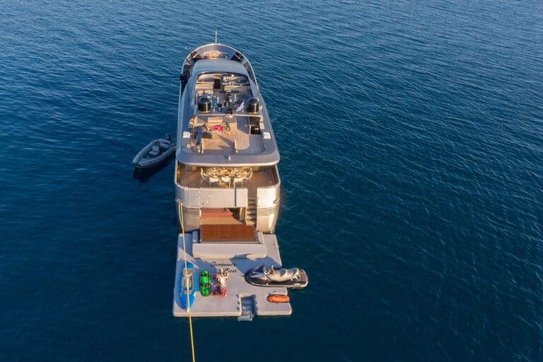 Luxury Motor Yacht SUMMER FUN aft deck