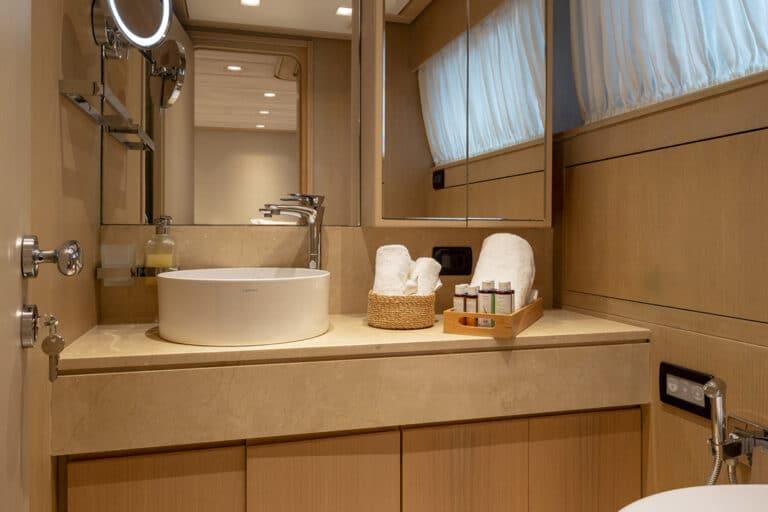Luxury Motor Yacht SUMMER FUN master suite en suite bathroom shower