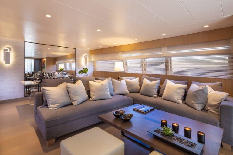 Luxury Motor Yacht SUMMER FUN living space