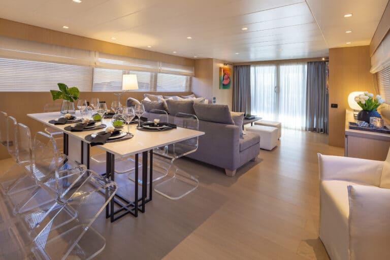 Luxury Motor Yacht SUMMER FUN dining