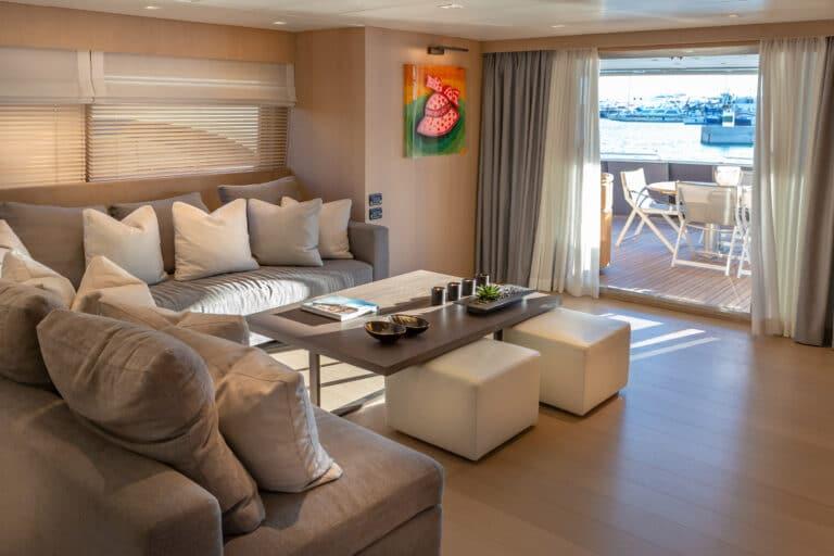 Luxury Motor Yacht SUMMER FUN lounge