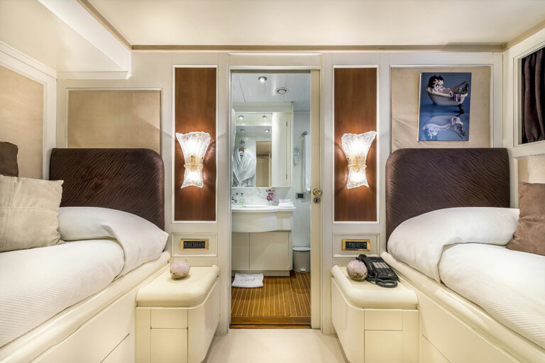 Luxury Motor Yacht SUPERFUN Twin cabin